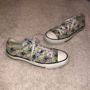Converse All Star size 8 floral sneakers low